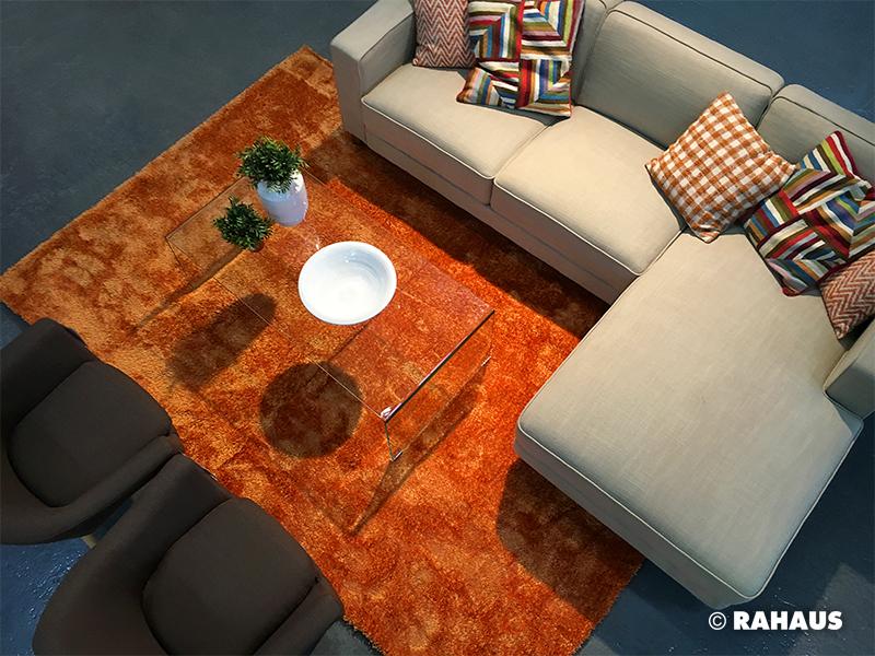 Living Berlin Möbel modern color sofa kissen teppich carpet glas couchtisch