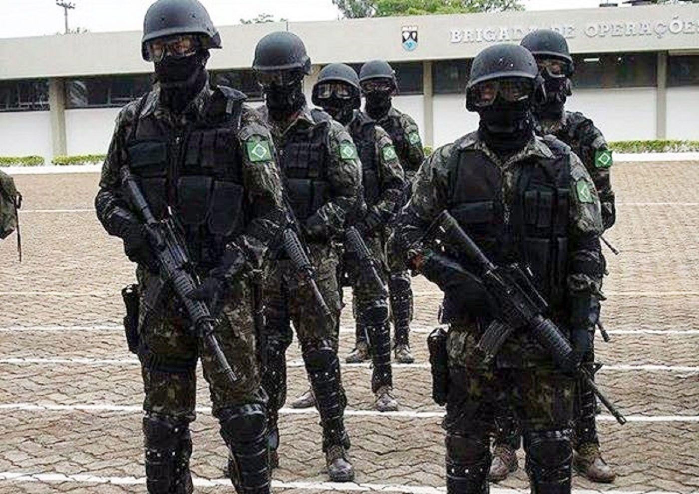 Exército Brasileiro 1º Batalhão de Ações de Comandos - Missão de Paz no  Haiti. 2b01c2e17d2