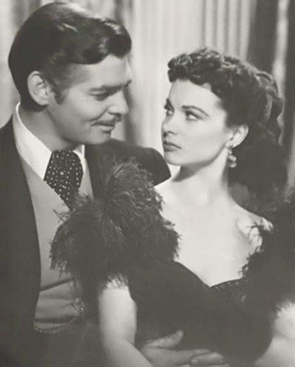 """Vivien Leigh (as Scarlett O'Hara) & Clark Gable (as Rhett Butler), """"Gone wit...  #love #instagood #p..."""