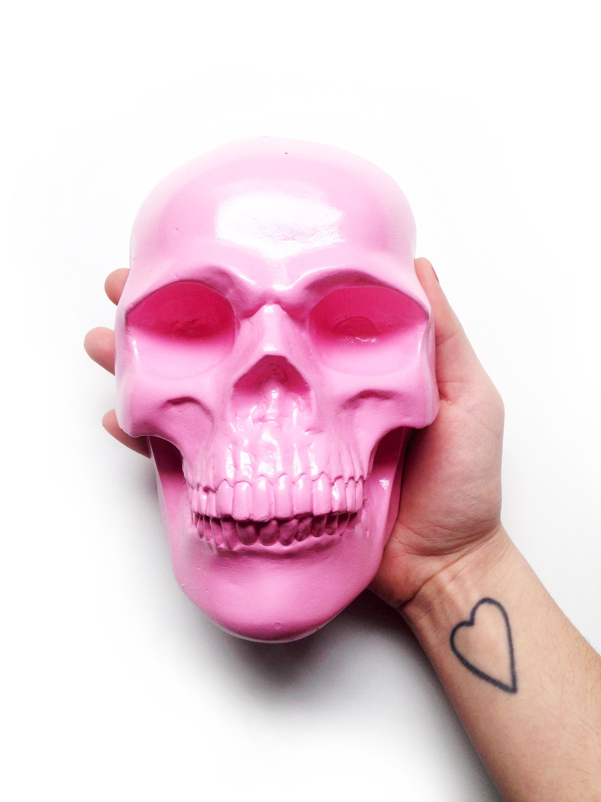 Bubble gum pink sculpture painted skull skull wall acrylic