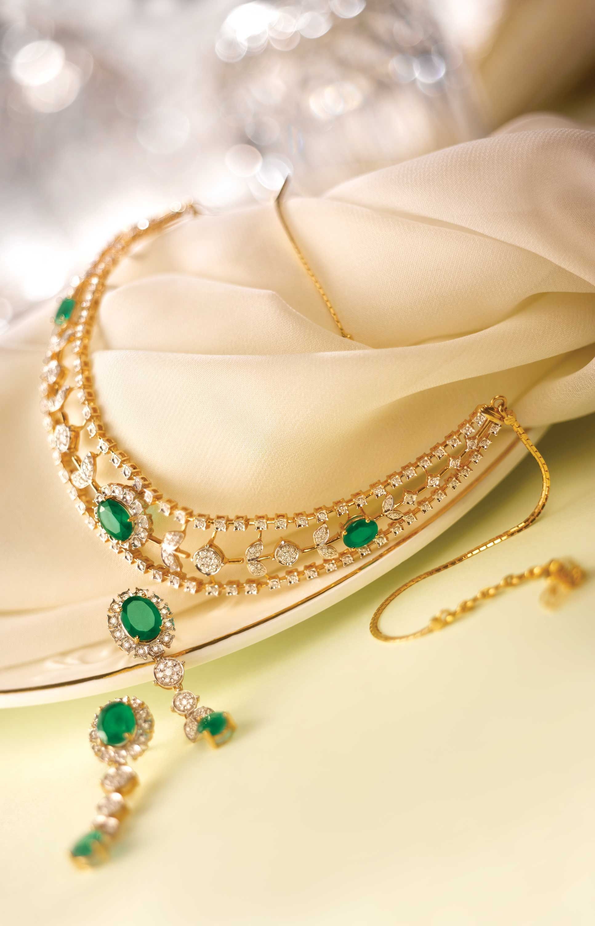 Simple emerald studed necklace necklaces i love pinterest