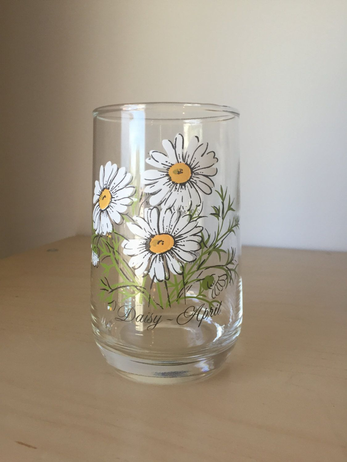 Vintage flower of the month drinking glass april daisy white and vintage flower of the month drinking glass april daisy white and yellow flower izmirmasajfo