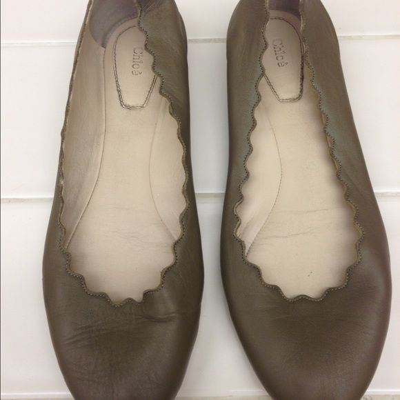 a4bff01bd634 Chloe Lauren scalloped ballet flat olive green Authentic Chloe scalloped  leather ballet flat . Size 7 ( European 37) they are in excellent condition  Chloe ...