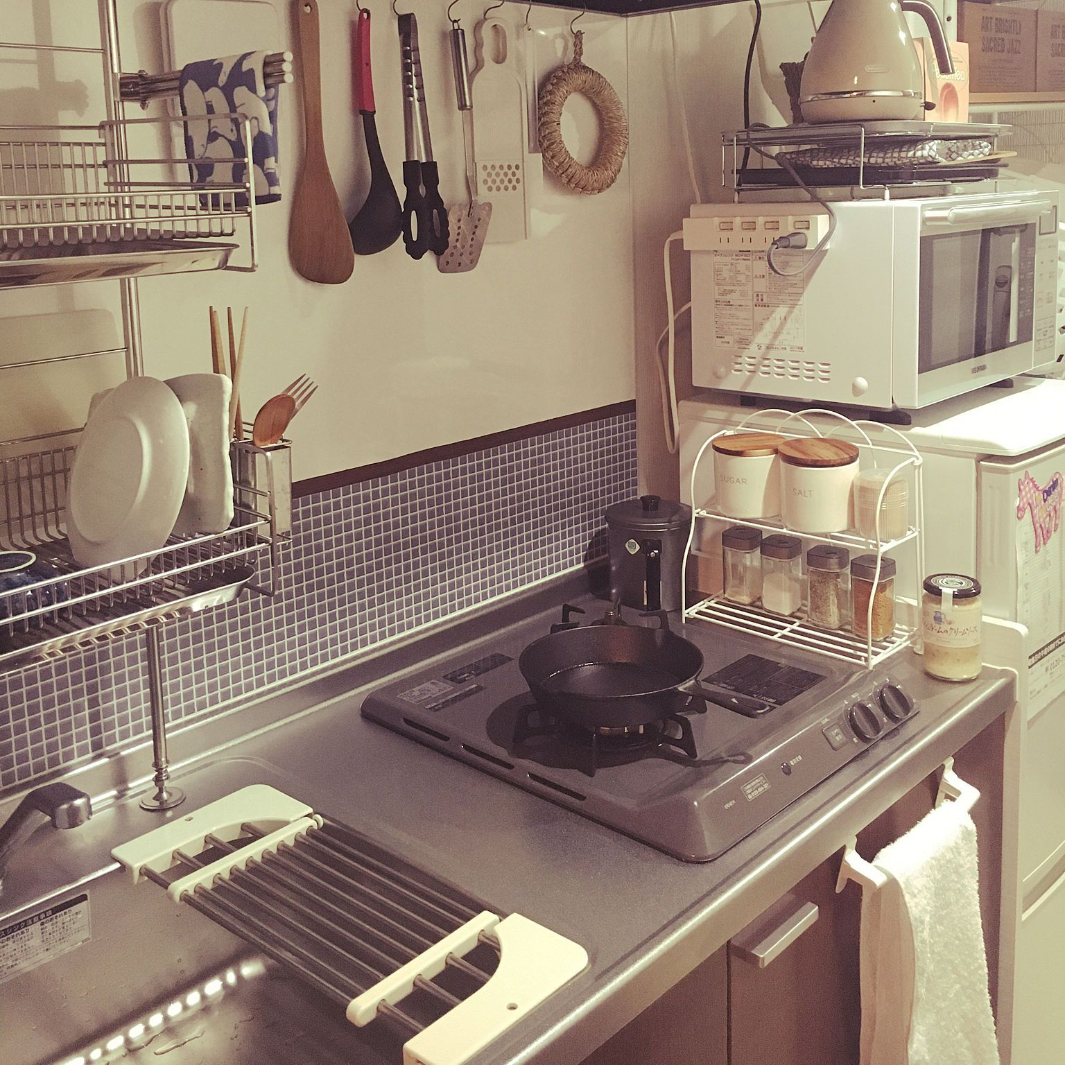 キッチン リメイクシート 一人暮らし 狭いキッチン 1k 8畳 などの