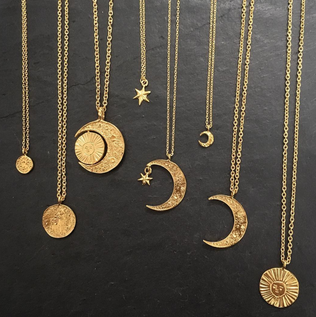 Photo of Cuemars-Moon disc necklace gold vermeil