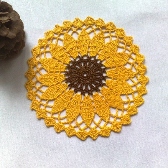 Crochet sunflower doily 6\