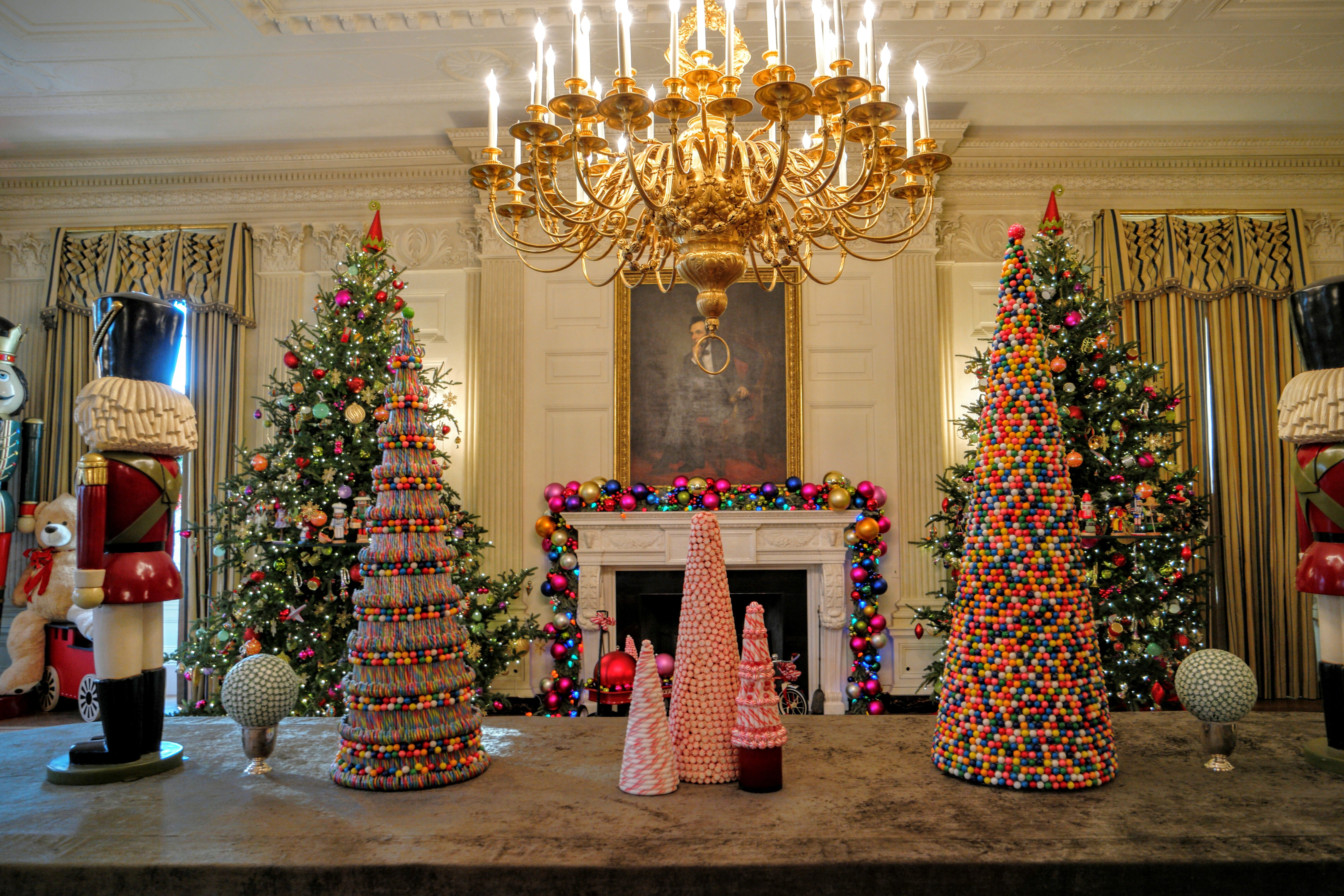 a901d0ffbe81a70ad366061870573c3a The WhiteHouse is the official residence