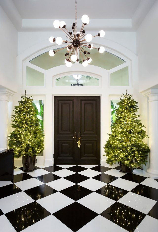 See how kris jenner decorated her familys california home for christmas this year rickysturn home styling