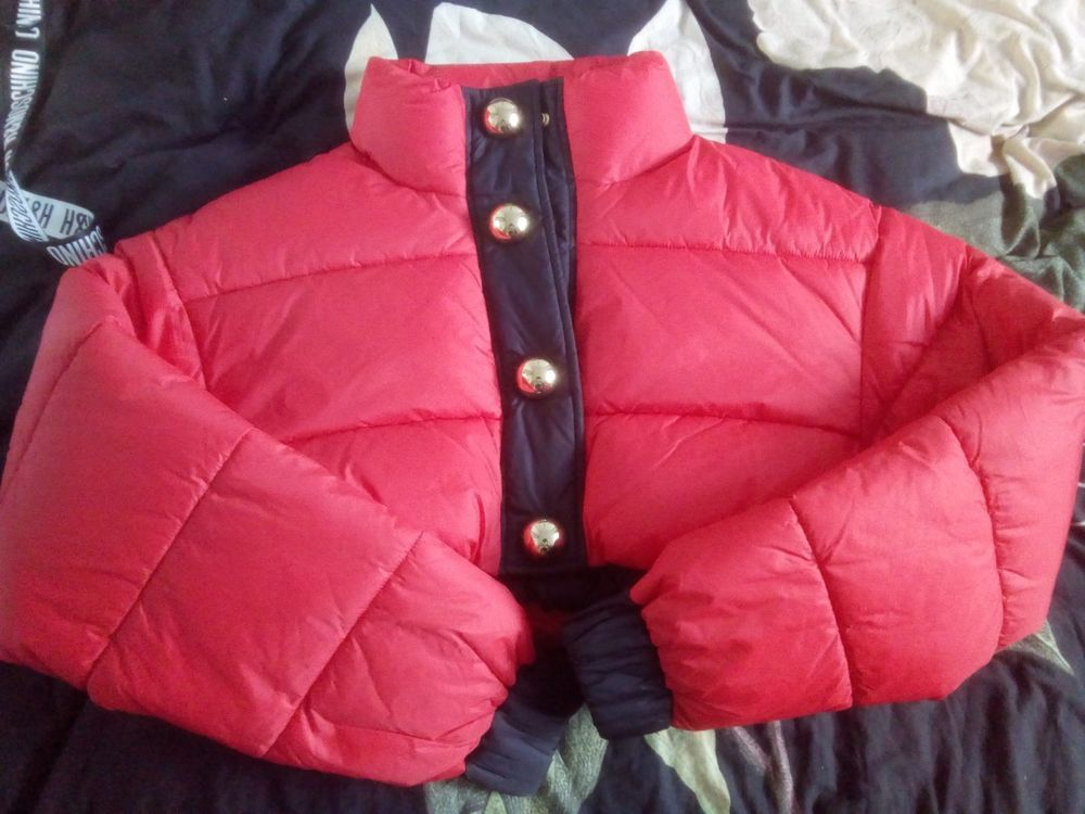 25c28cce026c Moschino TV  H M Red Cropped Padded Jacket Size M  fashion  clothing  shoes   accessories  womensclothing  coatsjacketsvests (ebay link)