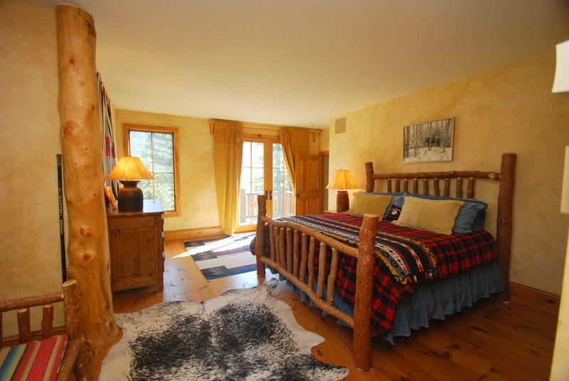 4 Bdrm Moose Home Guest Bedroom Home, Home decor