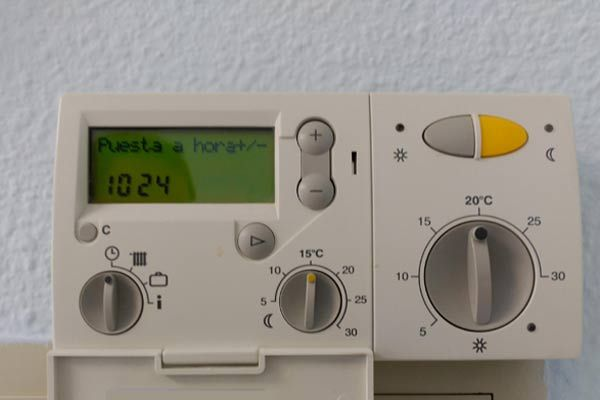 Ventajas De Los Termostatos Digitales Programables Termostato Termostato Inteligente Digitales