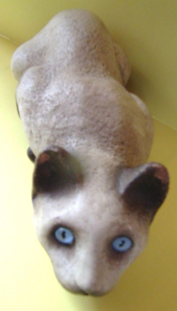 Sandicast Lifelike Siamese Cat Crouching Bandanna San Diego 14 1 2 Siamese Cats Siamese Cats