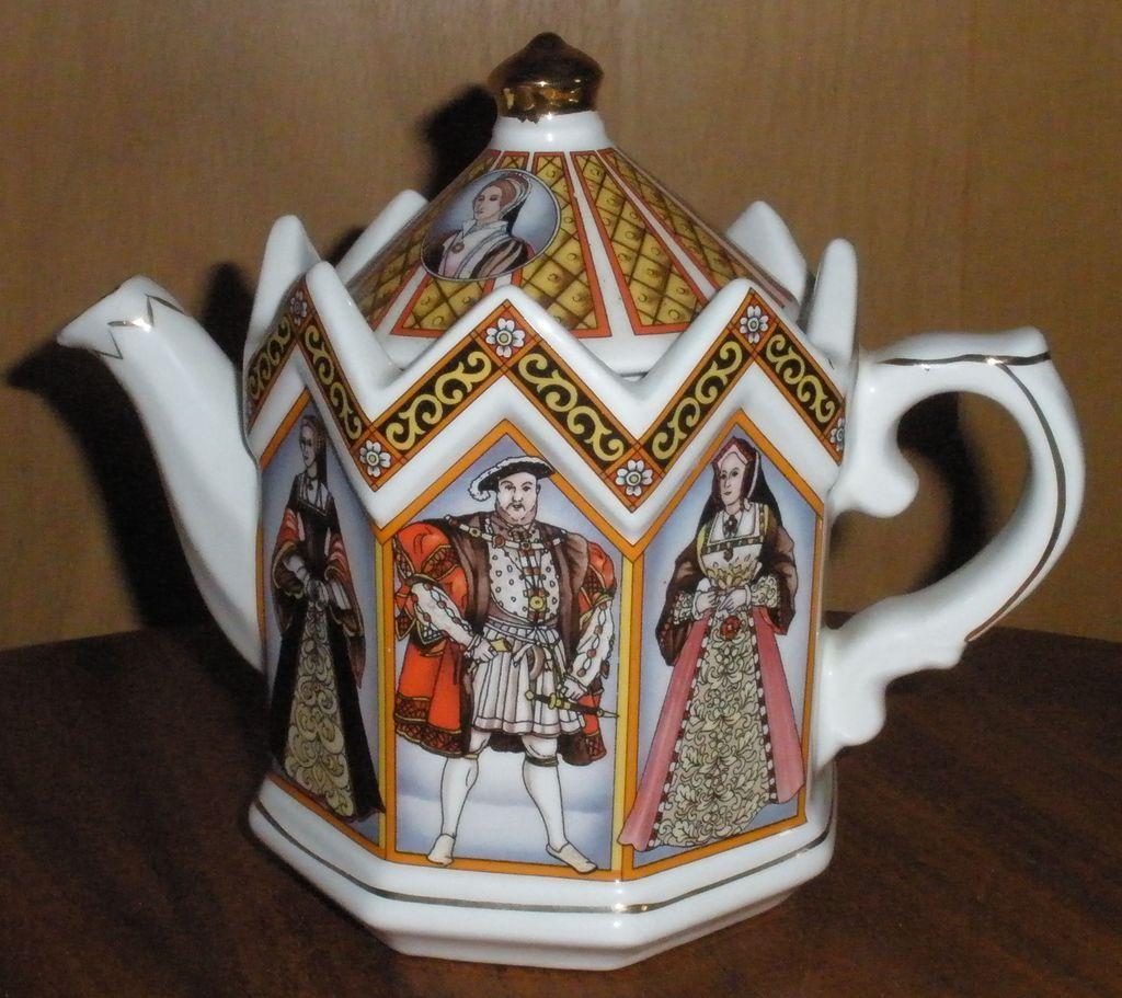 King Henry VIII And His Six Wives Teapot Sadler Made In England