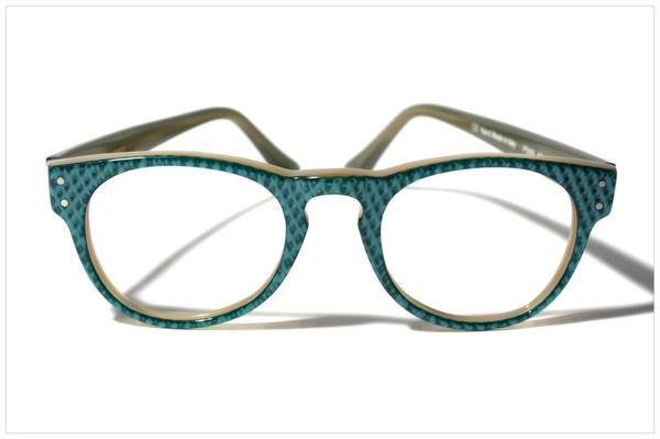 EYEWEAR ESSENTIALS - In full pantos! VERDIGRIS w/HONEYCOMB top finishing on BEIGE acetate. Awesome panto shape by Pollipò Occhiali, Italy.