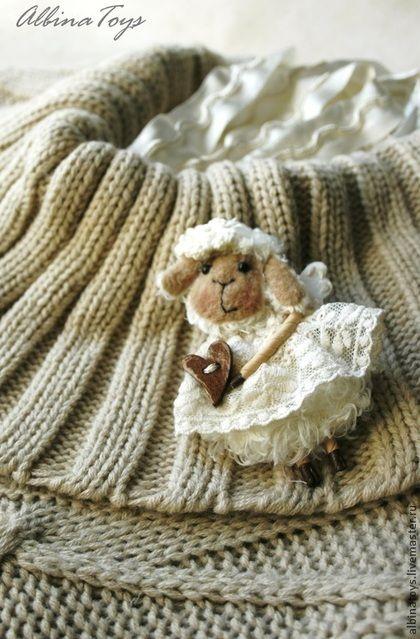 Текстильные броши Овечка в клетку. Молочная овечка. - бежевый,брошь,текстильная брошь