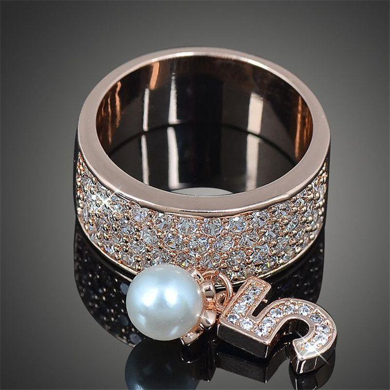 2016 neue Nette 5 Anzahl Wenig Nachahmung Perle Charme Paltinum & Rose Gold Überzogene Ringe für Frauen Mode Partei Bague Femme J02341