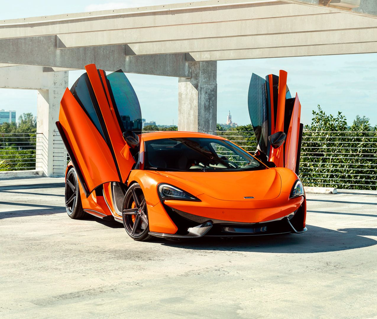 The Only Thing Better Than A Supercar Is A Supercar With The Vertical Doors Caridsupercars In 2020 Super Cars Vertical Doors Dream Cars