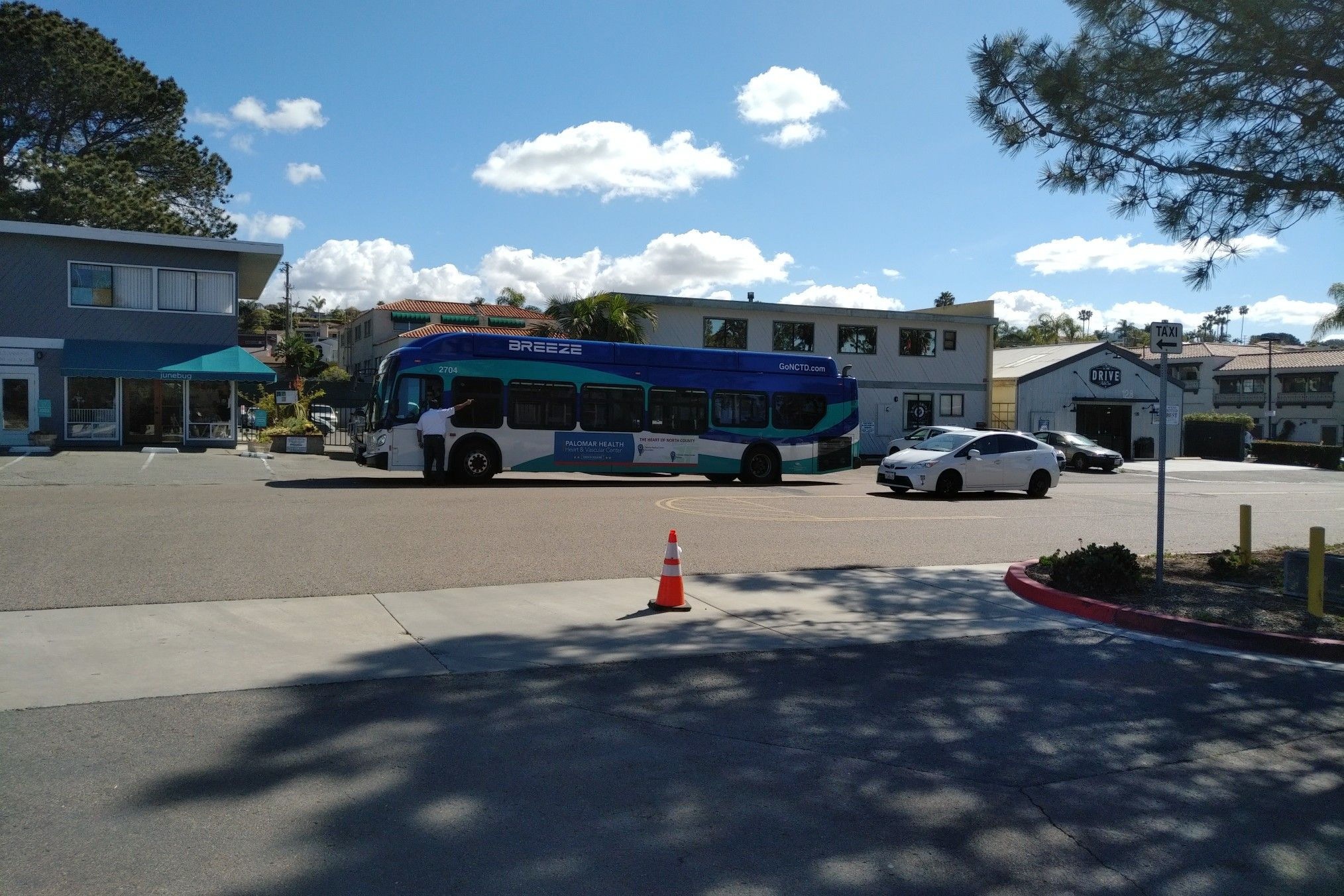 Yet another view of Breeze Bus 2704 at Solana Beach. Breeze Route ...