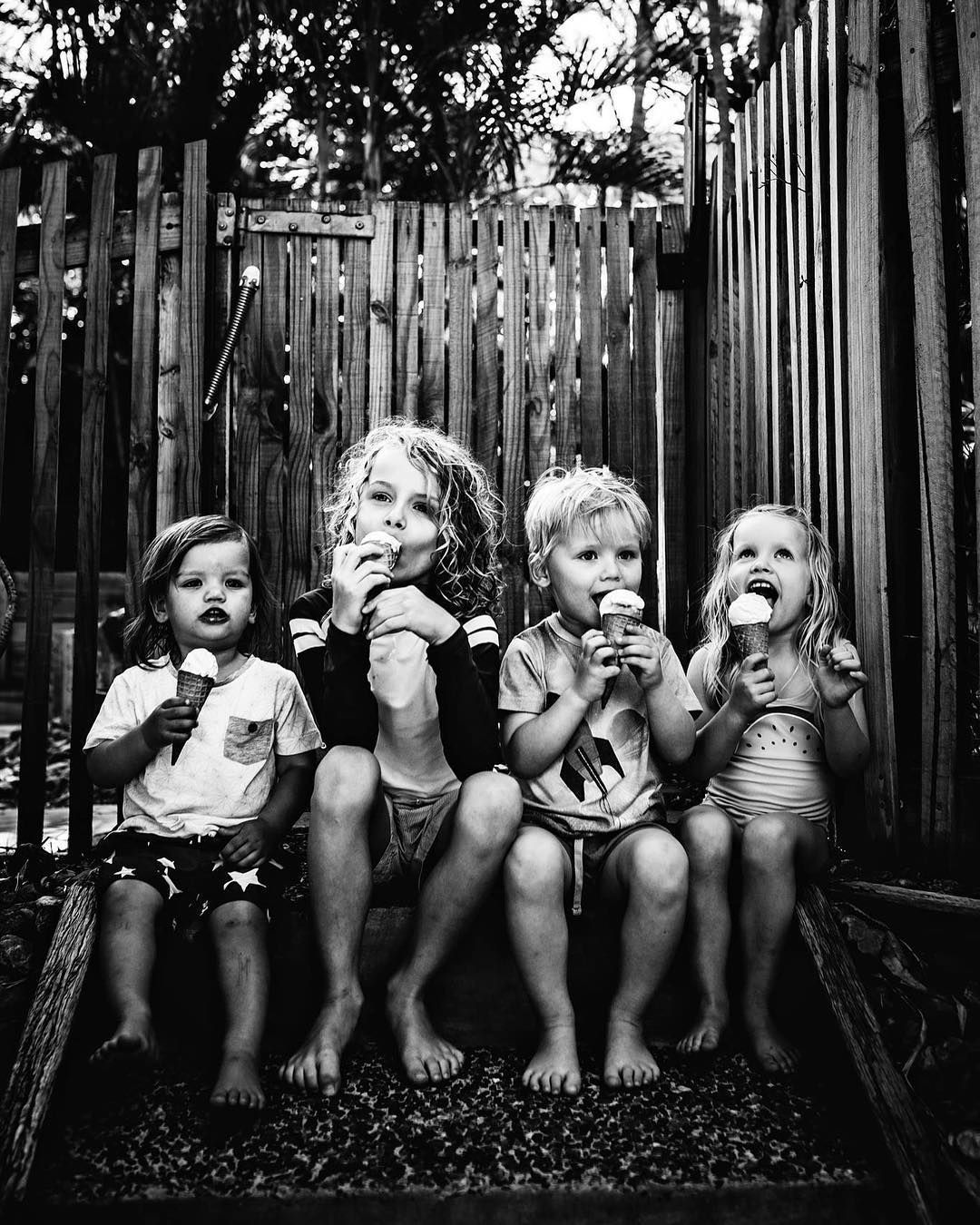 """My Captured Life on Instagram: """"I think around 90% of our extended family photos are of the kids eating ice cream because that's literally the only time they will stay…"""" #extendedfamilyphotography My Captured Life on Instagram: """"I think around 90% of our extended family photos are of the kids eating ice cream because that's literally the only time they will stay…"""" #extendedfamilyphotography My Captured Life on Instagram: """"I think around 90% of our extended family photos are of the #extendedfamilyphotography"""