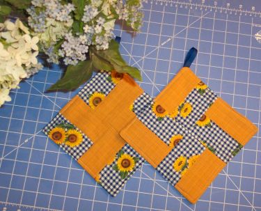 Free Patterns - Quilting - BellaOnline -- The Voice of Women ... : quilt patterns for potholders - Adamdwight.com