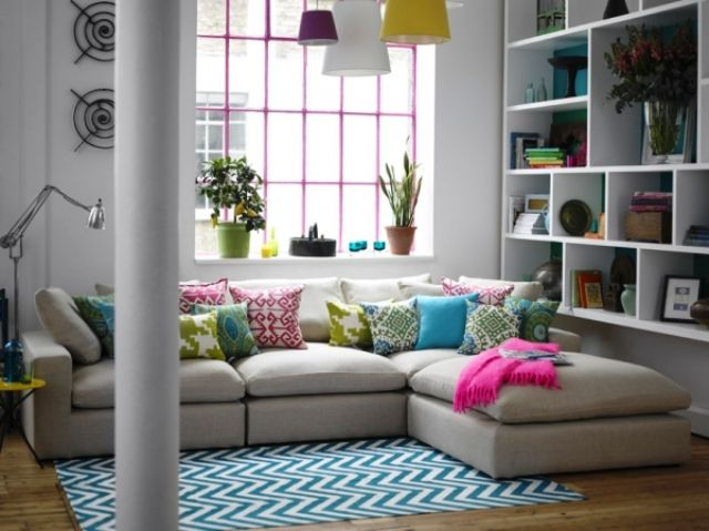Corner Sofas For Small Rooms Love The Pillows And The Pink Blanket For A Pop Of Color Small Room Sofa Long Living Room Corner Sofa