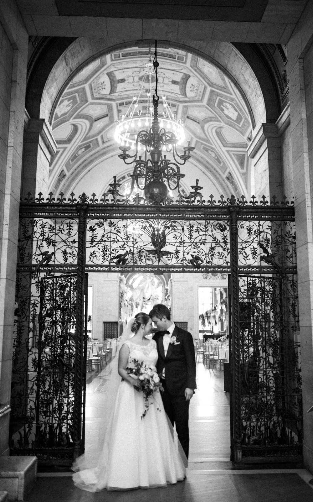 Niki Marie Photography Detroit Insute Of Arts Wedding Photographer Dia Downtown