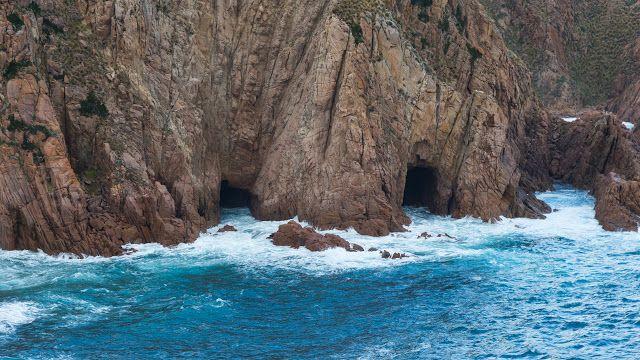 Sea caves - Cape Woolamai
