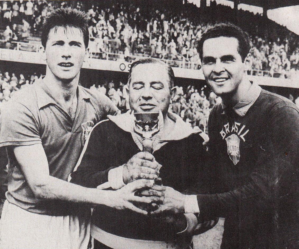 Bellini, Vicente Feola y Gilmar de Brasil en 1958.
