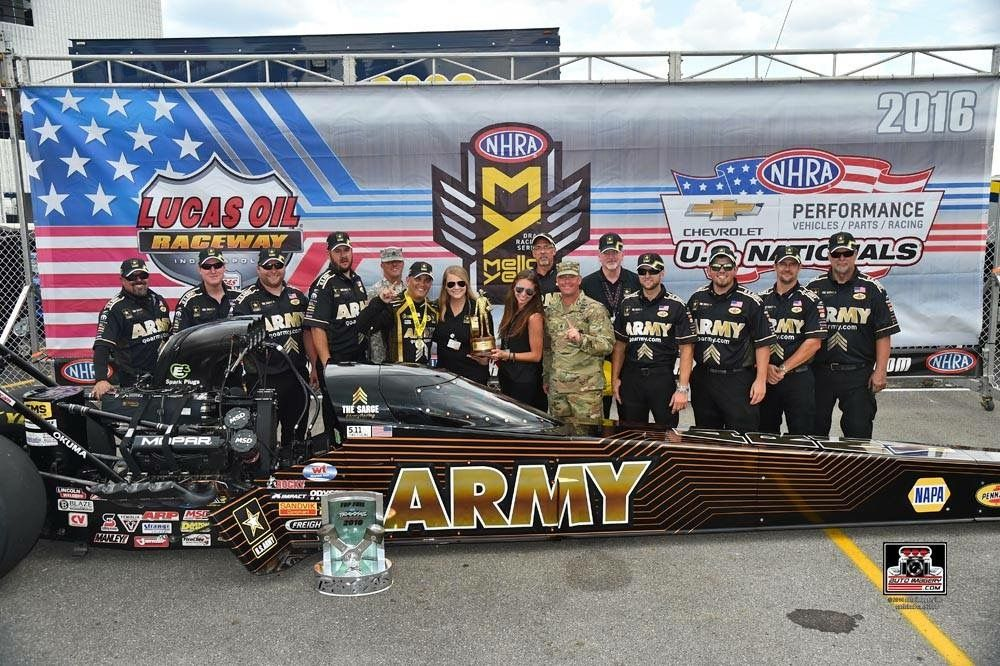 Tony Schumacher Wins In The Us Army T F Dragster With Dsr Team At