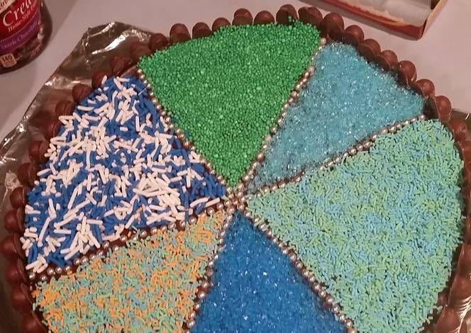 Easy chocolate birthday cake Recipe -  I think Easy chocolate birthday cake is a good dish to try in your home.