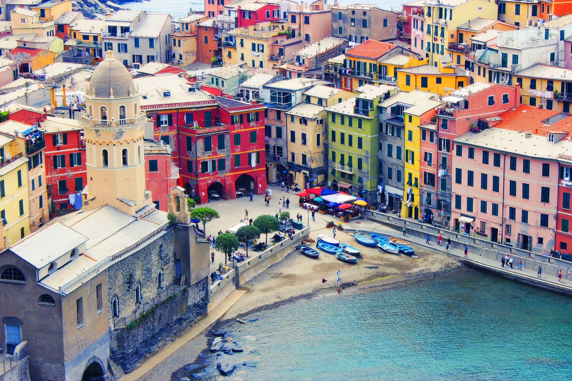 Unexpected romantic getaway Cinque Terre - Italy