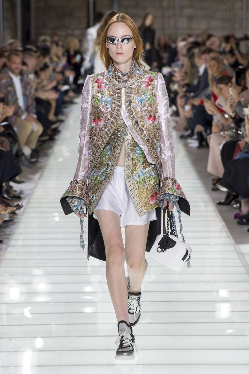 bf68b370ab685 Louis Vuitton Spring Summer 2018 Ready-To-Wear Collection Spring Summer  Fashion