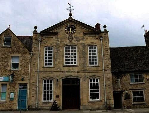 Timber Windows in Witney Oxfordshire History Architecture and Timber Windows in Witney Oxfordshire Histoire architecture et fenêtres en bois à Witney Oxfords...