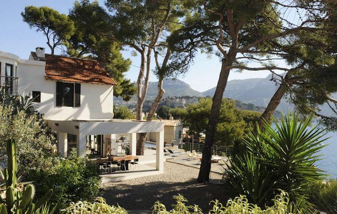 Luxury Upscale Mediterranean Villa Close to Beach with Lagoon Pool!!