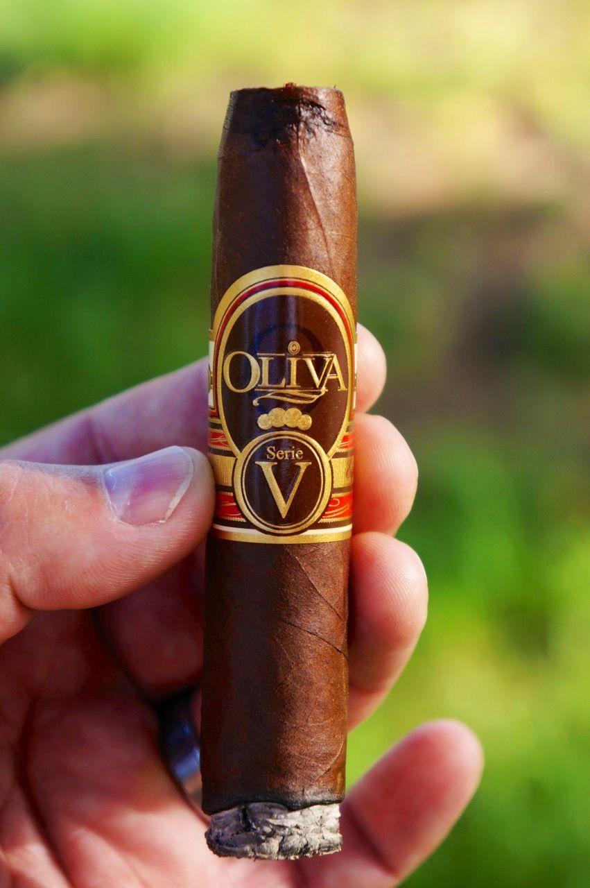 cigar-nudist