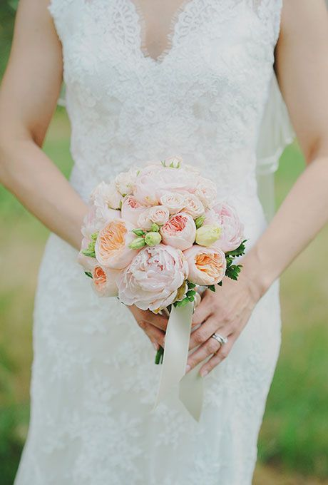 Brides Clasic Blush And Peach Posy Of Roses A Traditional