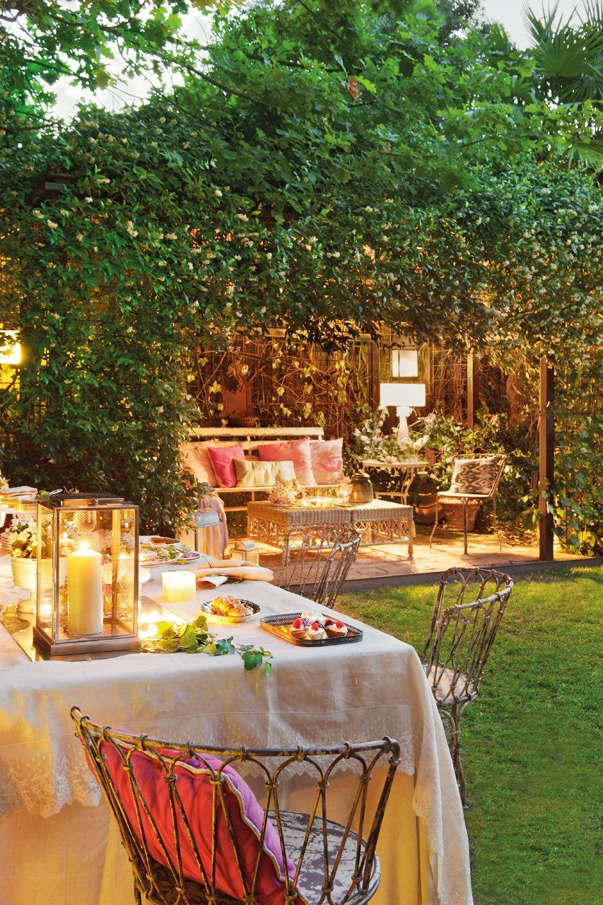 Un Jardin De Dia Y De Noche Paisajes Jardines Bonitos Jardines