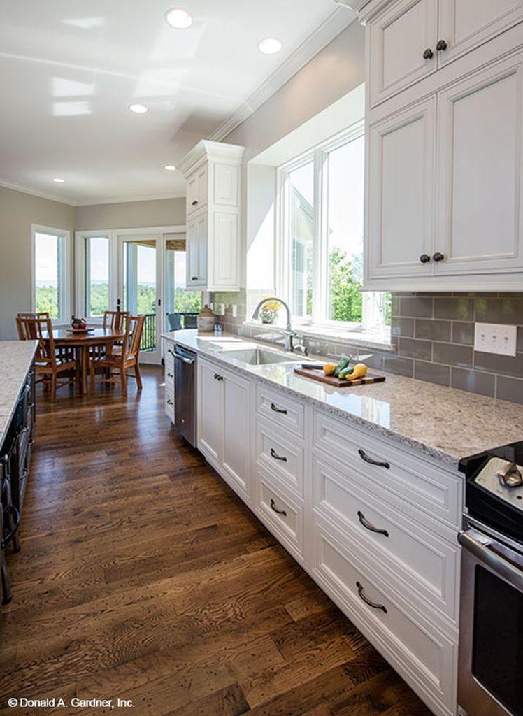 Gorgeous kitchen backsplash with white cabinets 51