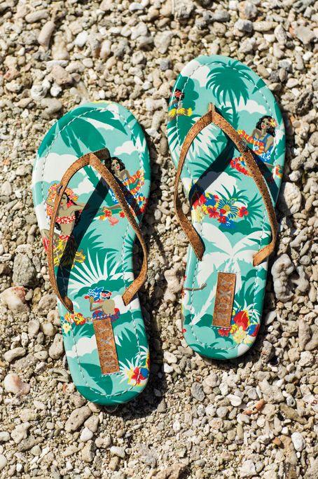 Hawaiian Inspired Print Men Summer Palm Tree Flip Flop Sandals in Sunset Blue