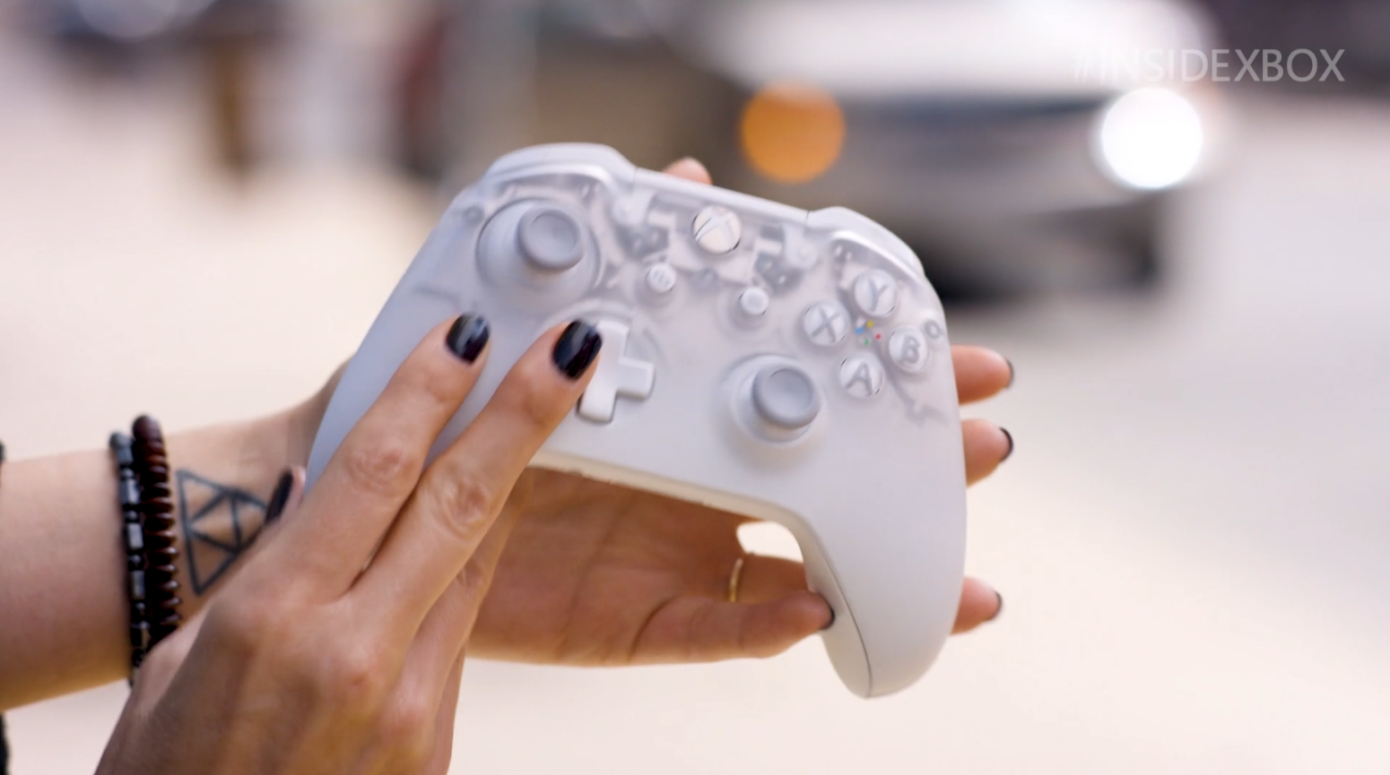 Microsoft Reveals New Xbox One Phantom White Wireless Controller A