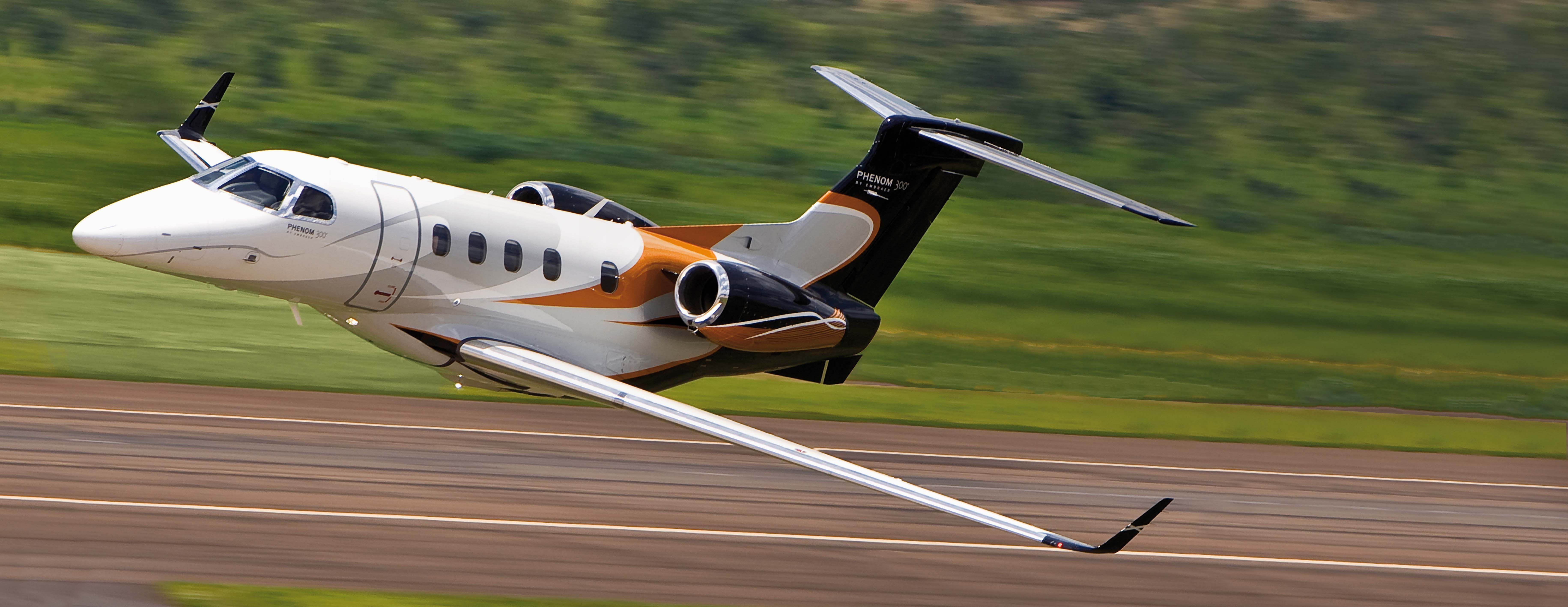 Phenom 300 cockpit phenom executive jet line leaders of innovation - Private Jets Embraer Phenom 300 For Sale Https Jetspectre Com Https