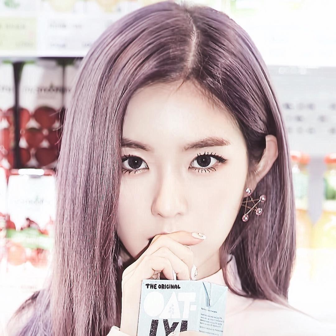 Irene Reveals The Secret To Her Signature Eye Makeup Koreaboo Purple Hair Red Velvet Irene Pink Hair