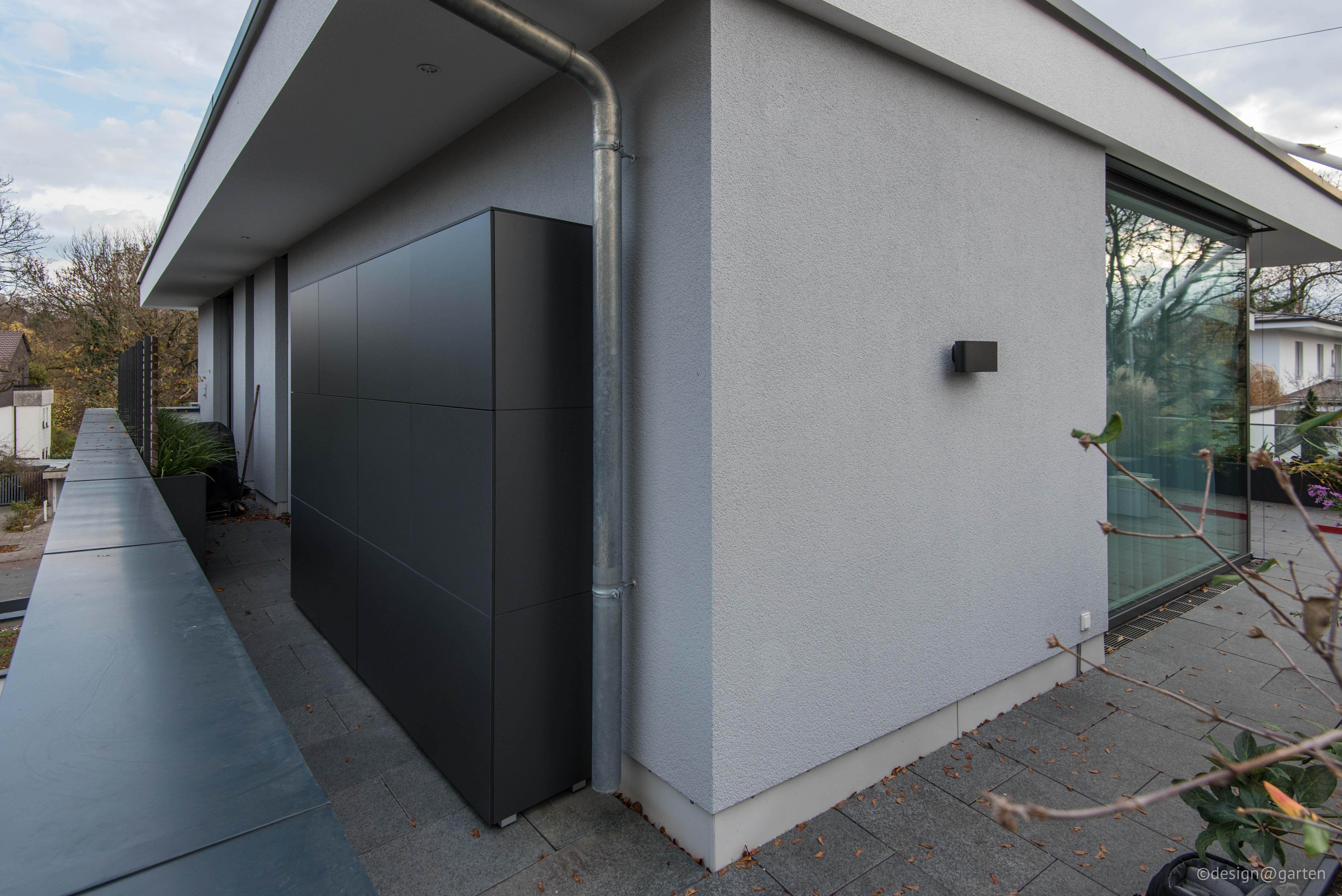 gartenschrank terrassenschrank auf dachterrasse in. Black Bedroom Furniture Sets. Home Design Ideas