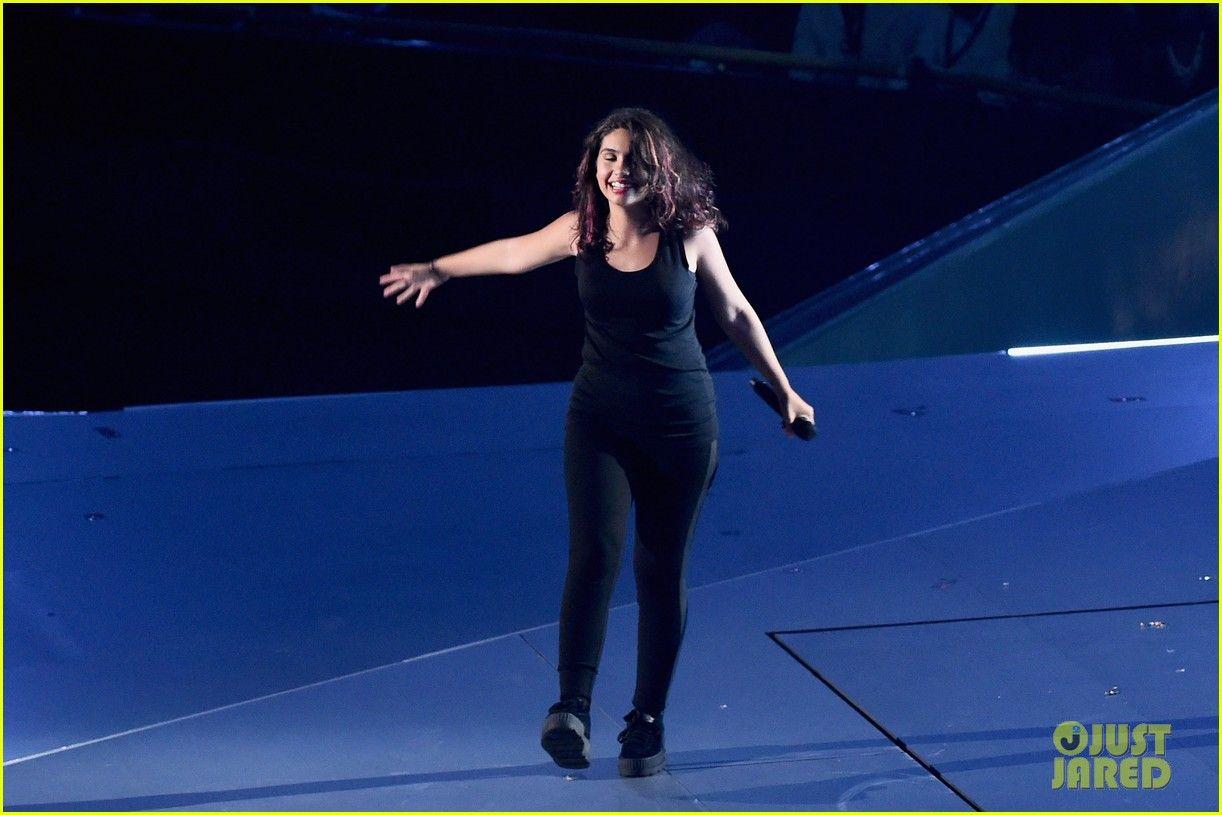 Alessia Cara Mtv Vmas 2017 Performance 01 Alessia Cara
