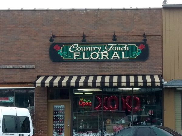 Yesterday We Installed A New Retractable Awning For Country Touch Floral In Davenport Wa Commercial Products Broadway Shows Retractable Awning Broadway