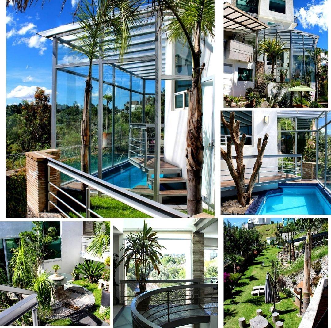 Residencia En Venta A Desniveles Con Alberca Techada Y Terrazas Excelentes Vistas Jardin Habitada Solamente Por Ano Y Medio Albercas Alberca Techada Vistas