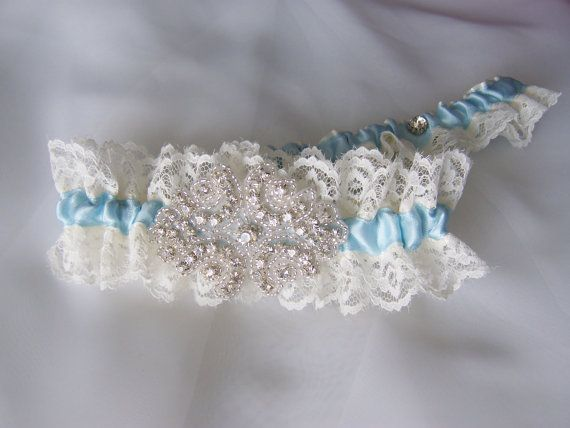 Beautiful Vintage Inspired Chantilly Lace Trim by BridalbyVanessa