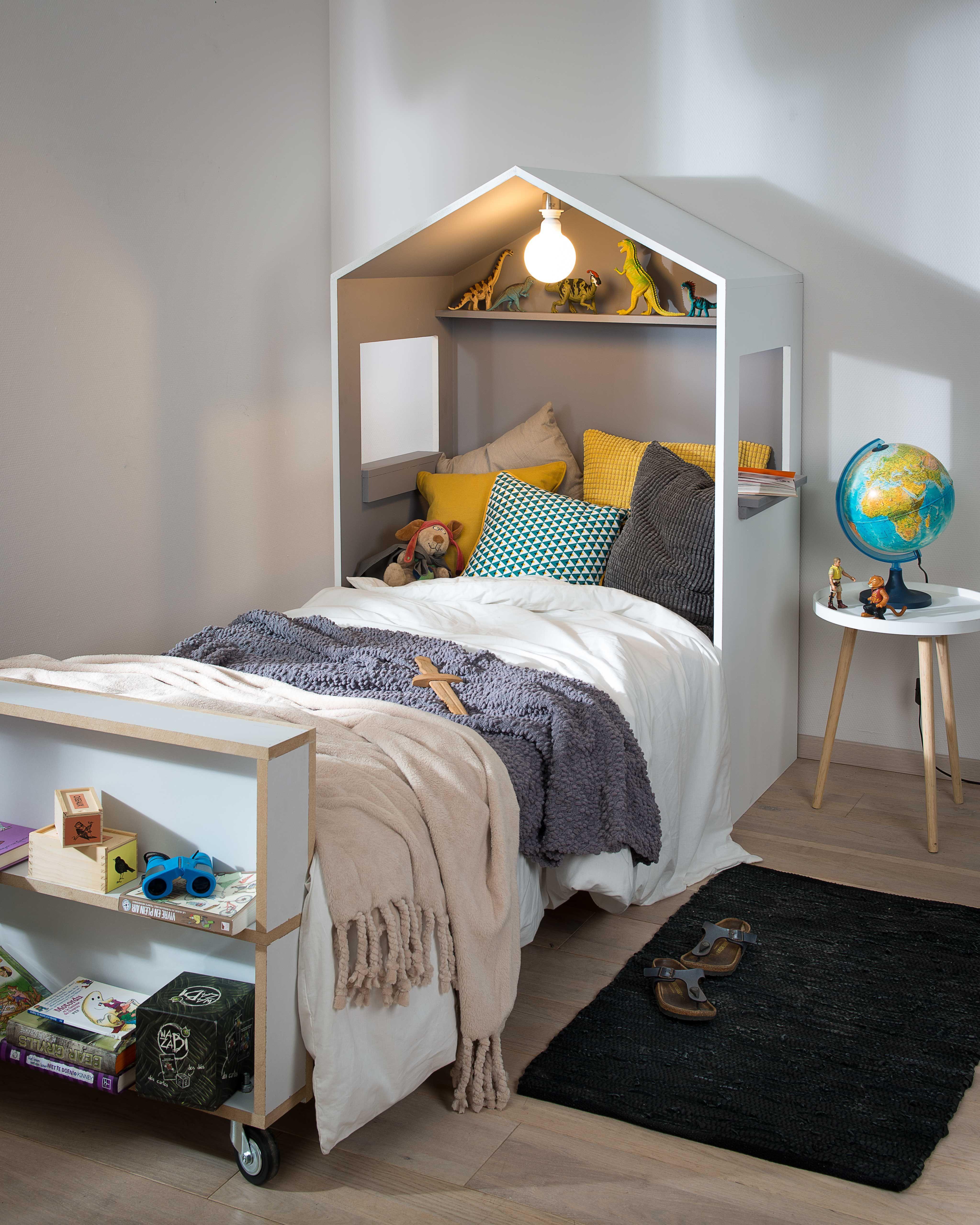 Construistez une tªte de lit en forme de cabane pour la chambre de