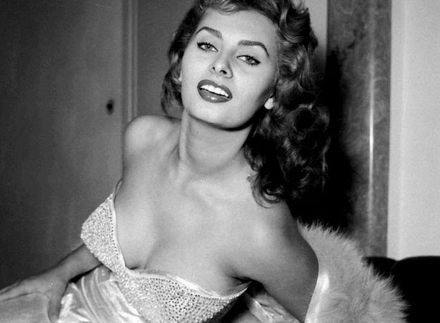 Αποτέλεσμα εικόνας για Sophia Loren as Cinzia Zaccardi