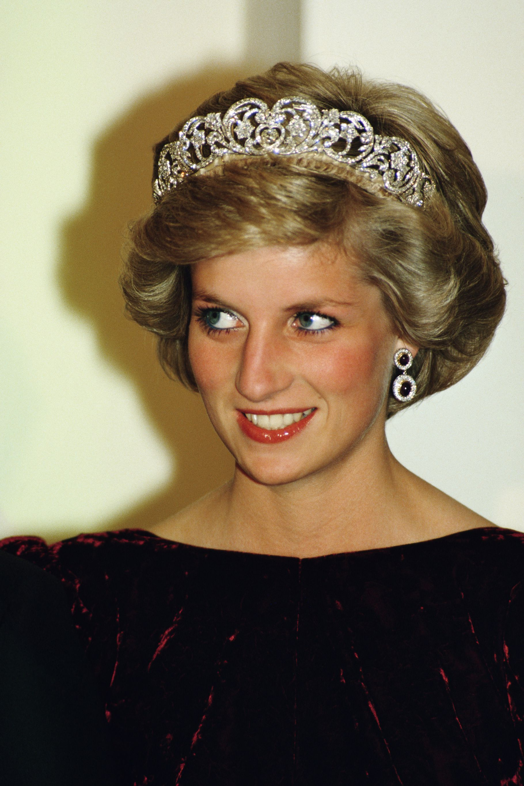 25 Beauty Secrets to Steal From Princess Diana